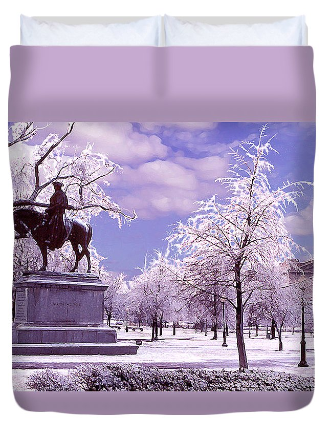 Landscape Duvet Cover featuring the photograph Washington Square Park by Steve Karol