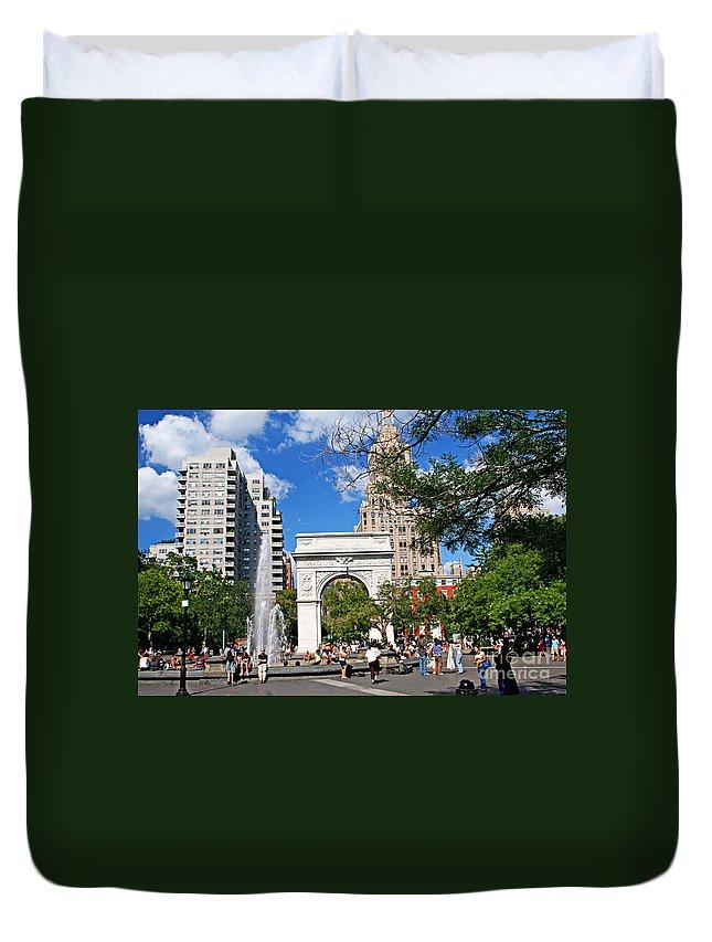 Washington Duvet Cover featuring the photograph Washingtone Square New York by Zal Latzkovich