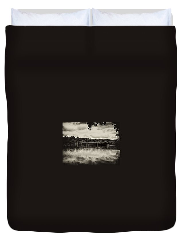 Washingtons Crossing Duvet Cover featuring the photograph Washingtons Crossing Bridge by Bill Cannon