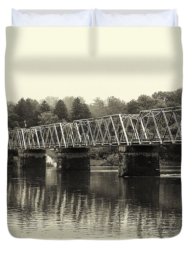 Washington's Duvet Cover featuring the photograph Washington's Crossing Bridge On A Rainy Day by Bill Cannon