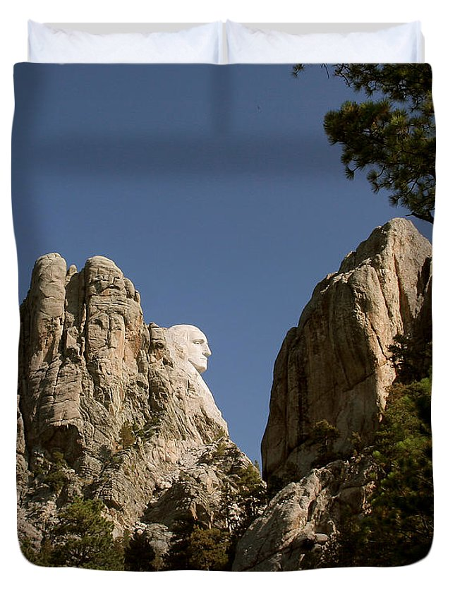 Mount Rushmore Duvet Cover featuring the photograph Washingtons Profile II by Mike Oistad