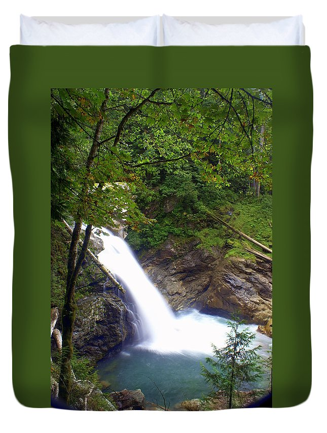 Waterfall Duvet Cover featuring the photograph Washngton Falls1 by Marty Koch