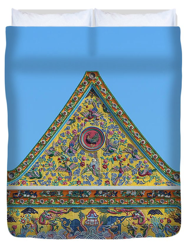 Scenic Duvet Cover featuring the photograph Wat Ratcha Orasaram Phra Wihan Gable Dthb0862 by Gerry Gantt
