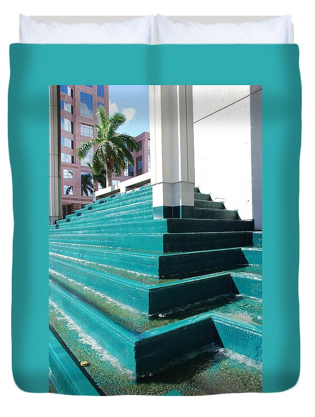 Architecture Duvet Cover featuring the photograph Water At The Federl Courthouse by Rob Hans