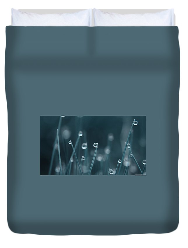 Water Drop Duvet Cover featuring the digital art Water Drop by Dorothy Binder