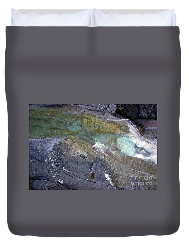 Tropical Duvet Cover featuring the photograph Water Flow by Kerryn Madsen- Pietsch