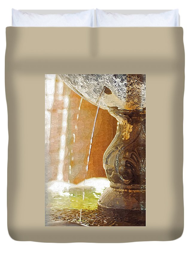 Water Fountain Duvet Cover featuring the photograph Waterfountain by Donna Bentley