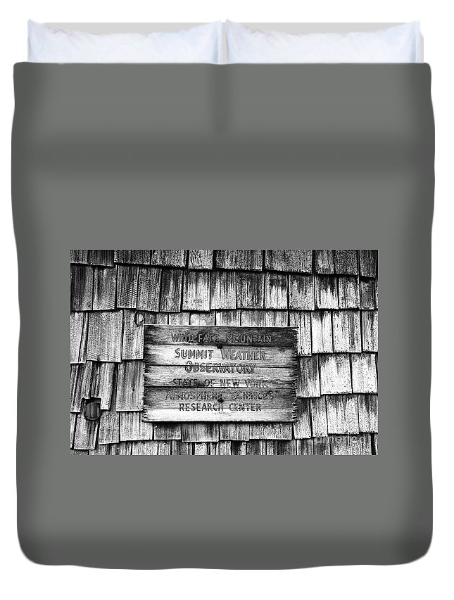 Weather Duvet Cover featuring the photograph Weathered by David Lee Thompson