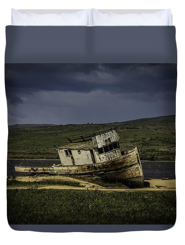 Old Duvet Cover featuring the photograph Weathered Fishing Boat by Garry Gay