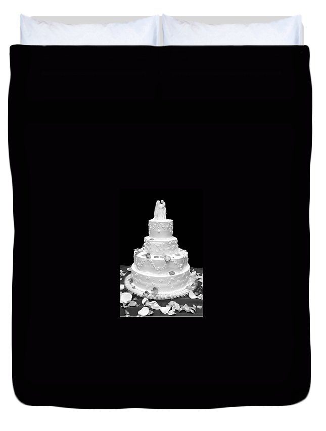 Wedding Duvet Cover featuring the photograph Wedding Cake by Marilyn Hunt