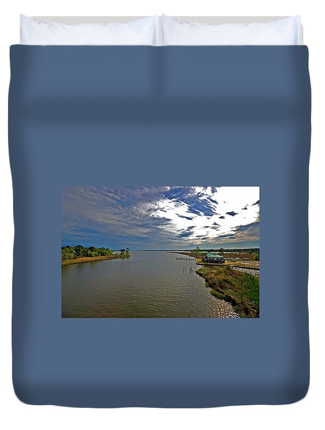 Weeks Bay Duvet Cover featuring the painting Weeks Bay At Sunset by Michael Thomas