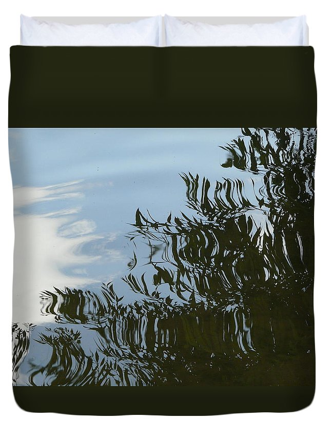 Tree Duvet Cover featuring the photograph Weeping Willow Reflection by Valerie Ornstein