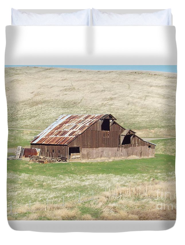 Barn Duvet Cover featuring the photograph Well Used by Brett Chambers