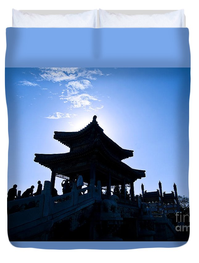 Angle Duvet Cover featuring the photograph Wenchang Pavillion by Ray Laskowitz - Printscapes