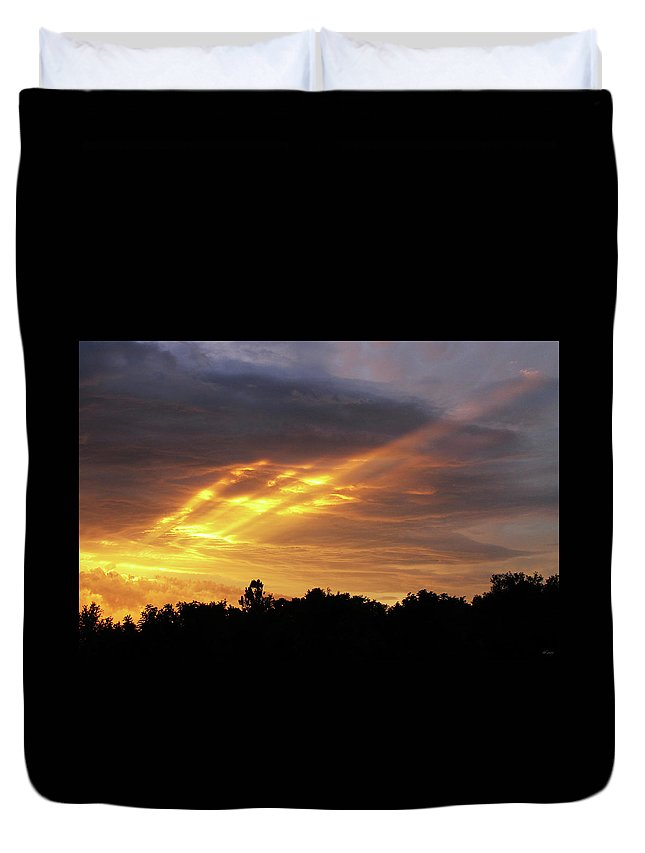 Brad Brailsford Duvet Cover featuring the photograph Westbound by Brad Brailsford