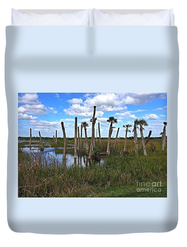 Palm Trees Duvet Cover featuring the photograph Wetland Palms by Anne Sands