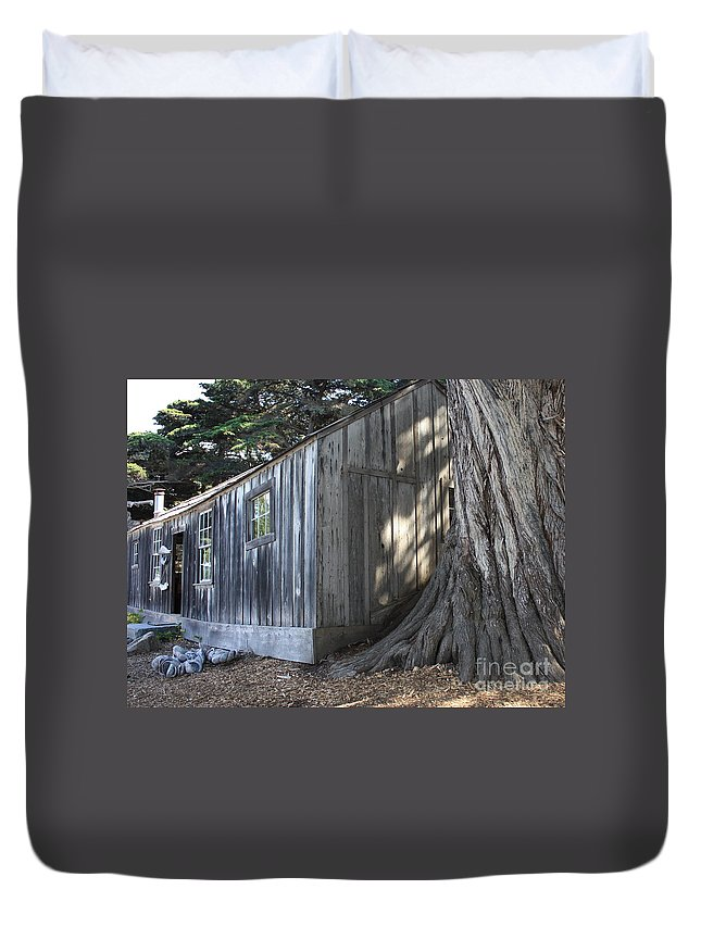 Duvet Cover featuring the photograph Whalers Cabin by Carol Groenen