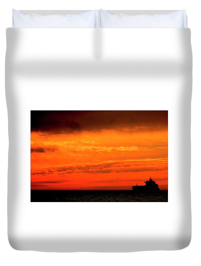 Sunset Duvet Cover featuring the photograph Where The Sky Meets The Sea by Pauline Darrow
