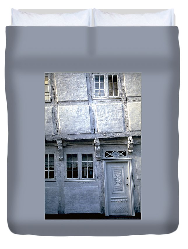 White House Duvet Cover featuring the photograph White House by Flavia Westerwelle