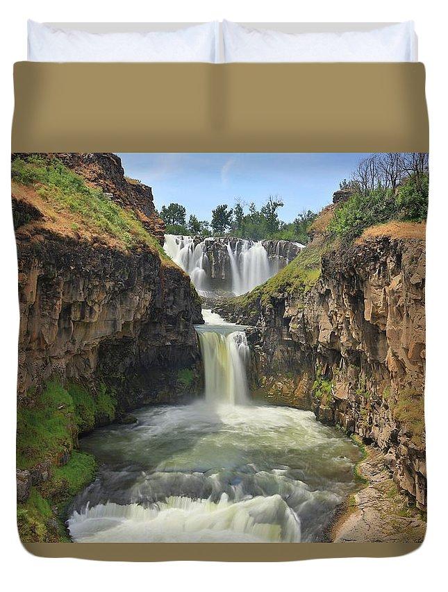 Waterfalls Duvet Cover featuring the photograph White River Falls B by Jesus Maldonado