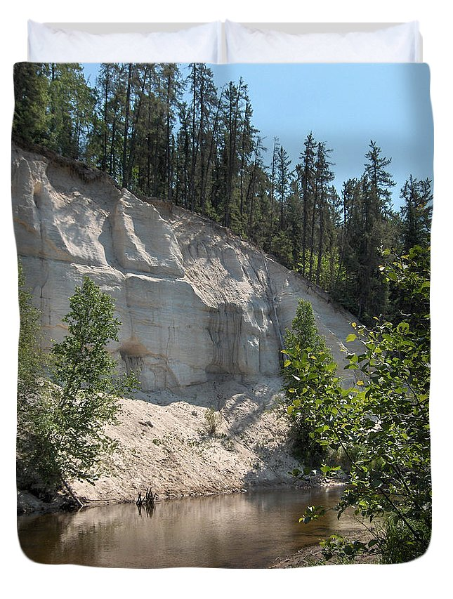 River Sand Cliffs Clear Water Evergreens Trees Natural Beauty Shore Piprell Lake Saskatchewan Duvet Cover featuring the photograph White Sands Cliff by Andrea Lawrence