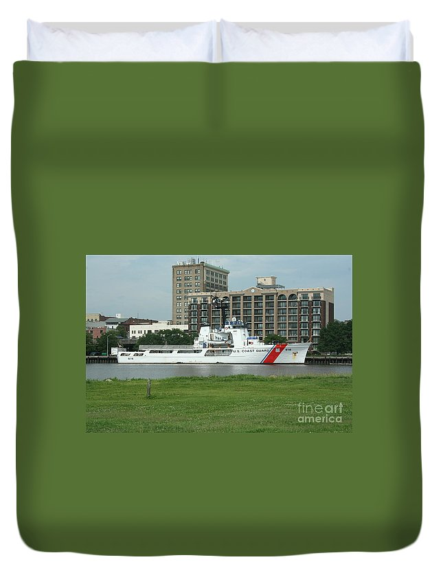 Willimington Nc Uscg Duvet Cover featuring the photograph Willimington Nc Uscg by Tommy Anderson