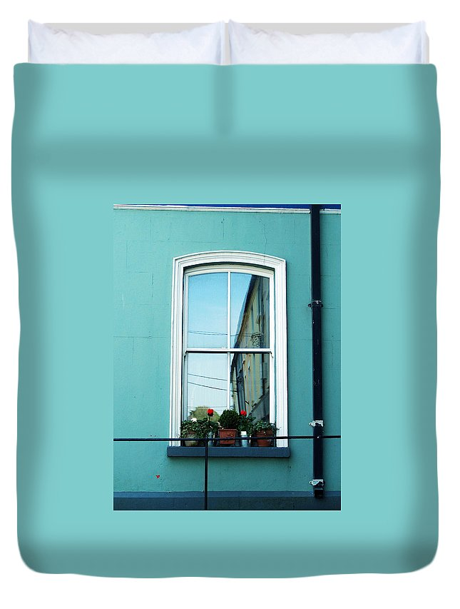Irish Duvet Cover featuring the photograph Window In Ennistymon Ireland by Teresa Mucha