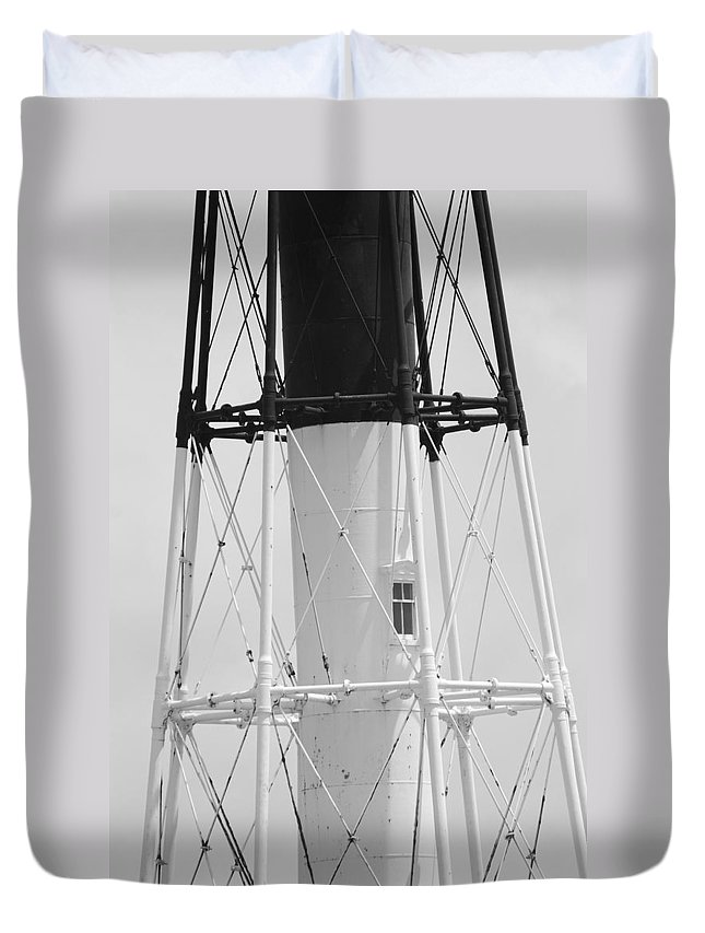 Landscape Duvet Cover featuring the photograph Window Lighthouse by Rob Hans