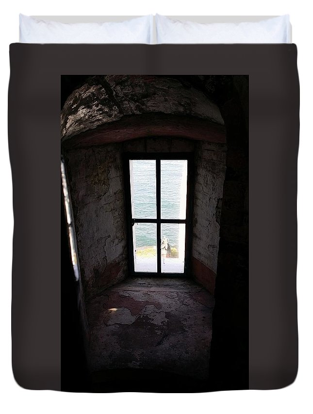 Montauk Duvet Cover featuring the photograph Window To The Sea by Rob Hans