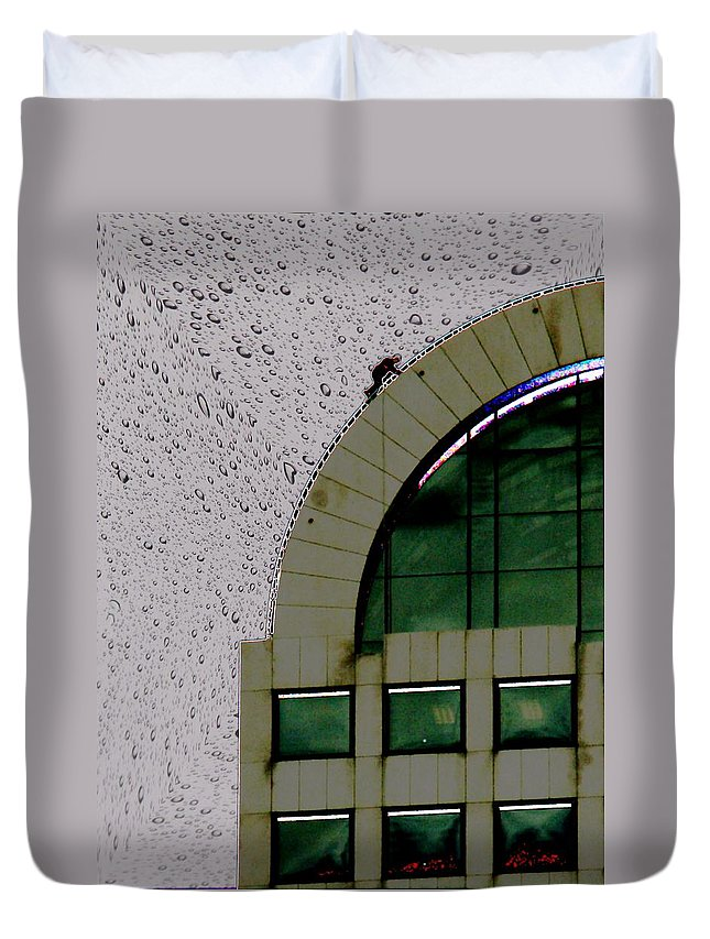 Seattle Duvet Cover featuring the photograph Window Washer by Tim Allen