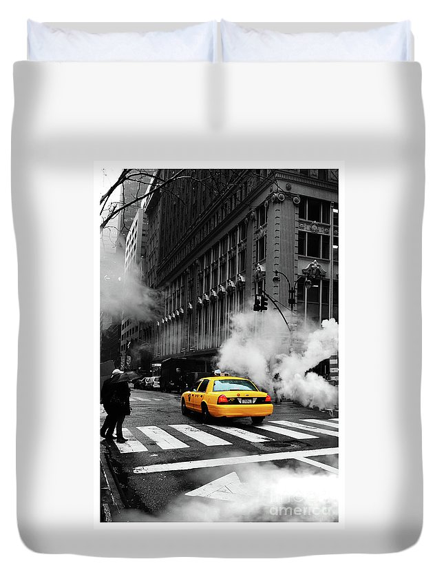 New York City Duvet Cover featuring the photograph Winter Is Coming by Fernando Tobar