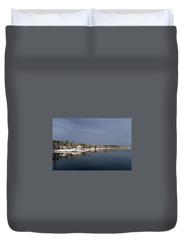 Lake Scene Duvet Cover featuring the photograph Winter On The Lake by Glenda Ward