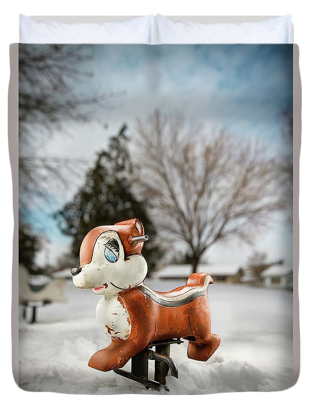 Blue Duvet Cover featuring the photograph Winter Squirel by Yo Pedro