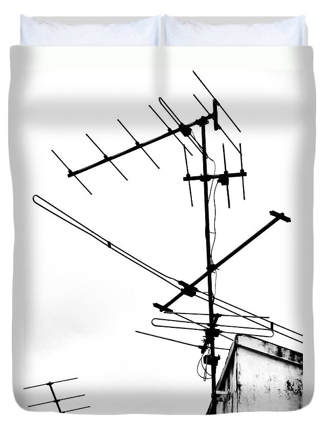 Wires Duvet Cover featuring the photograph Wired by Tara Turner