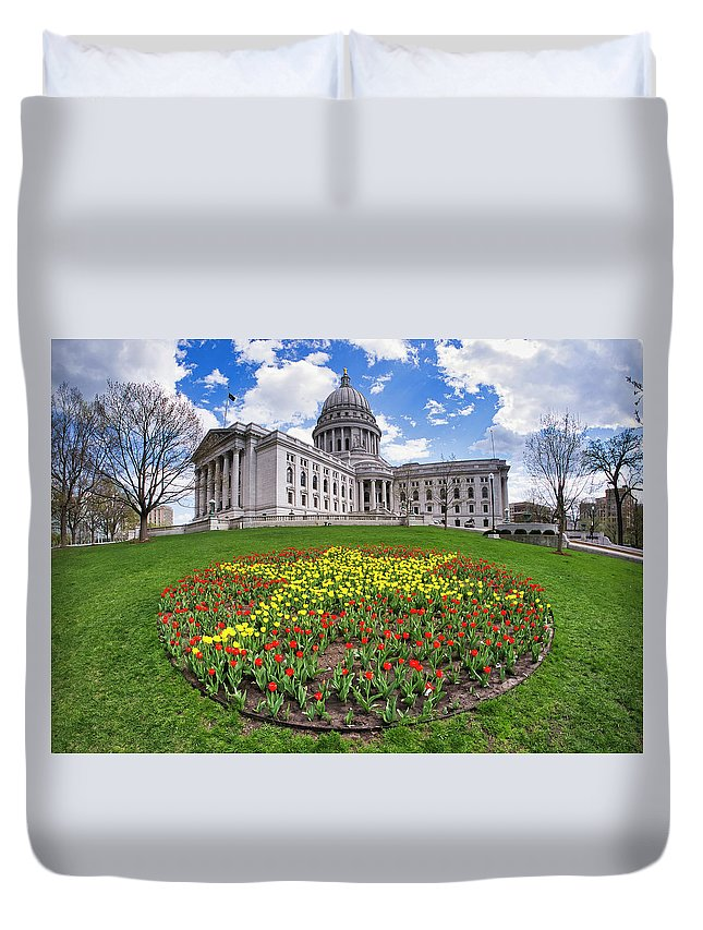 Wi Duvet Cover featuring the photograph Wisconsin Capitol And Tulips by Steven Ralser