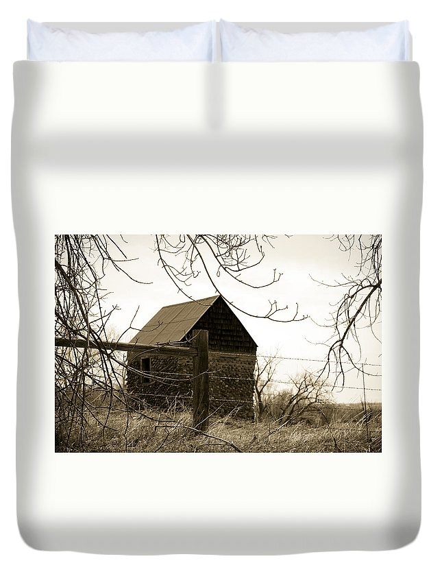 Rock Duvet Cover featuring the photograph Wistful by Marilyn Hunt