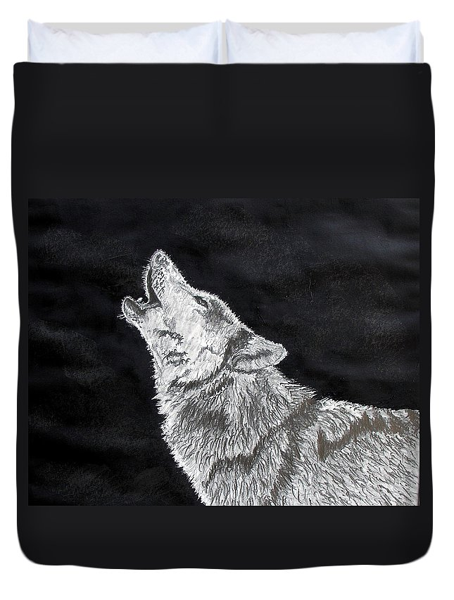 Pencil Duvet Cover featuring the drawing Wolf Howl by Stan Hamilton