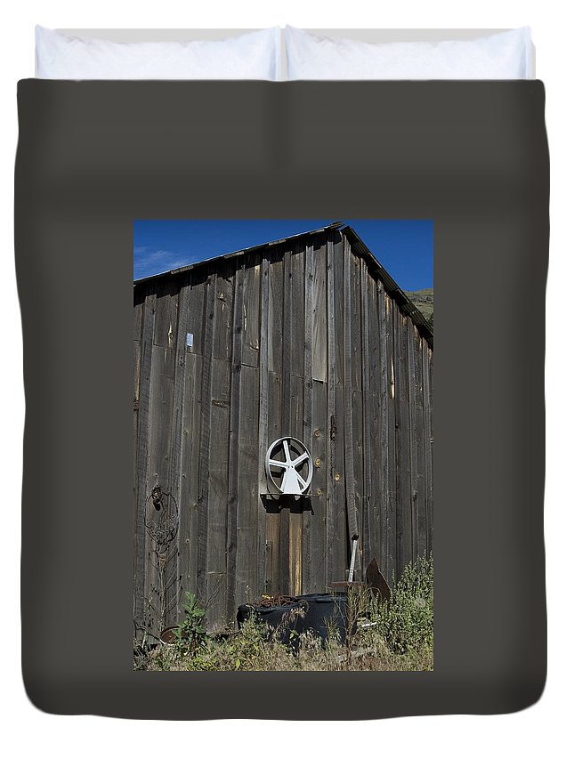 Old Barn Duvet Cover featuring the photograph Wood And Wheel by Sara Stevenson