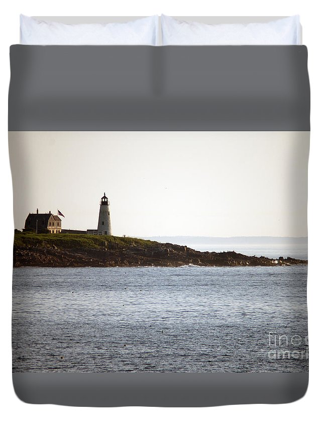 Light Duvet Cover featuring the photograph Wood Island Lighthouse 2 by Ray Konopaske