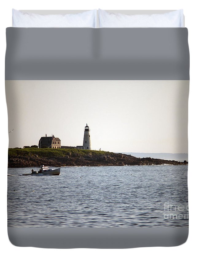Wood Duvet Cover featuring the photograph Wood Island Lighthouse 3 by Ray Konopaske