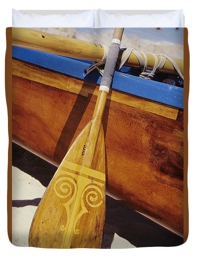 Aku Duvet Cover featuring the photograph Wooden Paddle And Canoe by Joss - Printscapes