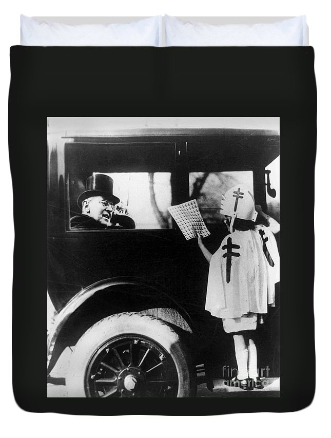 1923 Duvet Cover featuring the photograph Woodrow Wilson (1856-1924) by Granger