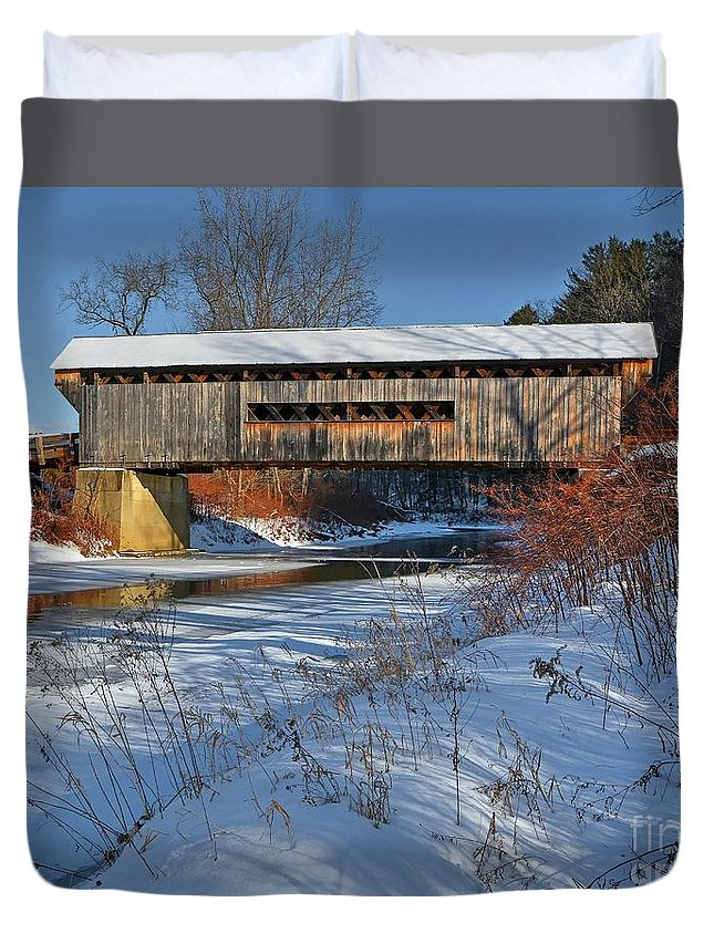 Vermont Duvet Cover featuring the photograph Worrall Covered Bridge by Steve Brown