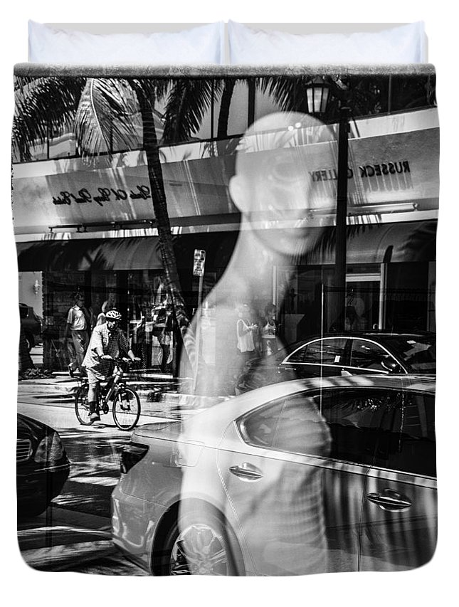 Florida Duvet Cover featuring the photograph Worth Ave Reflections 0484 by Bob Neiman