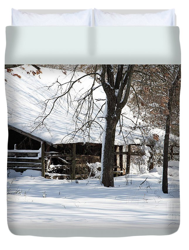 Rural Duvet Cover featuring the photograph Wrapped In Silence by Amanda Barcon