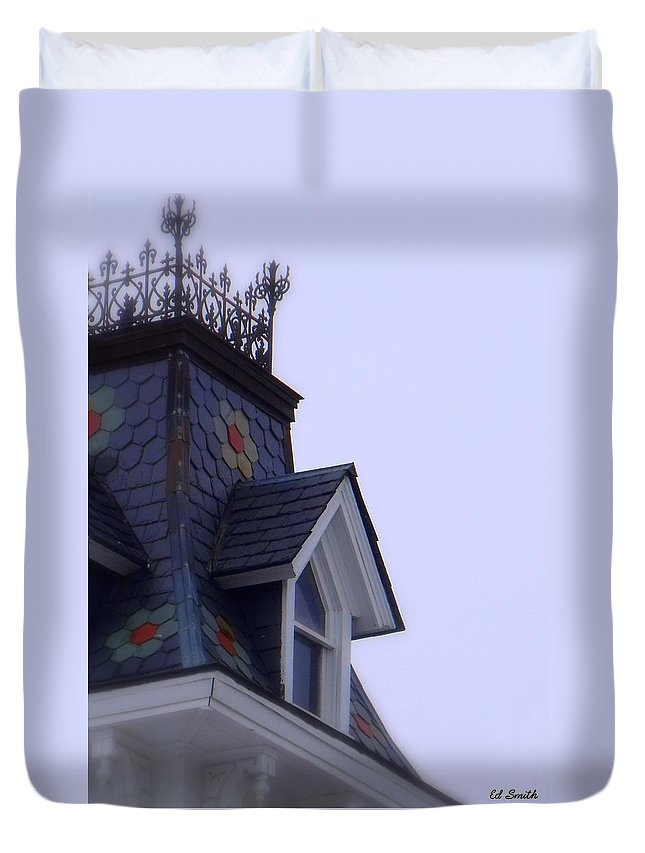 Wrought Iron Antique Roof Top Duvet Cover featuring the photograph Wrought Iron Roof Top by Ed Smith
