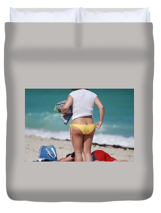 Sea Scape Duvet Cover featuring the photograph Yellow Bikini Bottom by Rob Hans