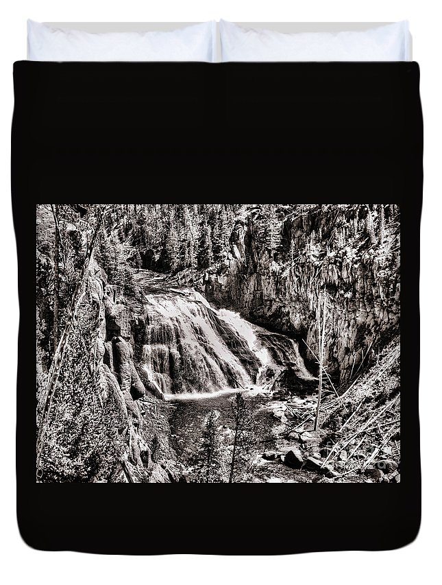 Falls Duvet Cover featuring the photograph Yellowstone Falls by Steven Parker