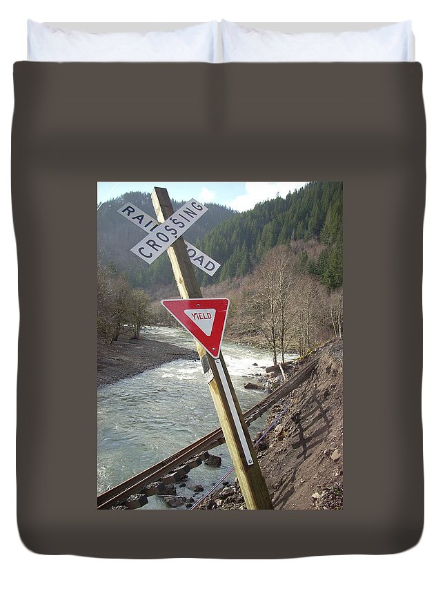 Railroad Crossing Duvet Cover featuring the photograph Yield by Sara Stevenson