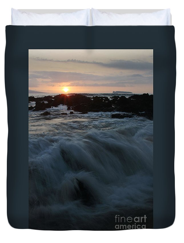 Aloha Duvet Cover featuring the photograph Yielding by Sharon Mau